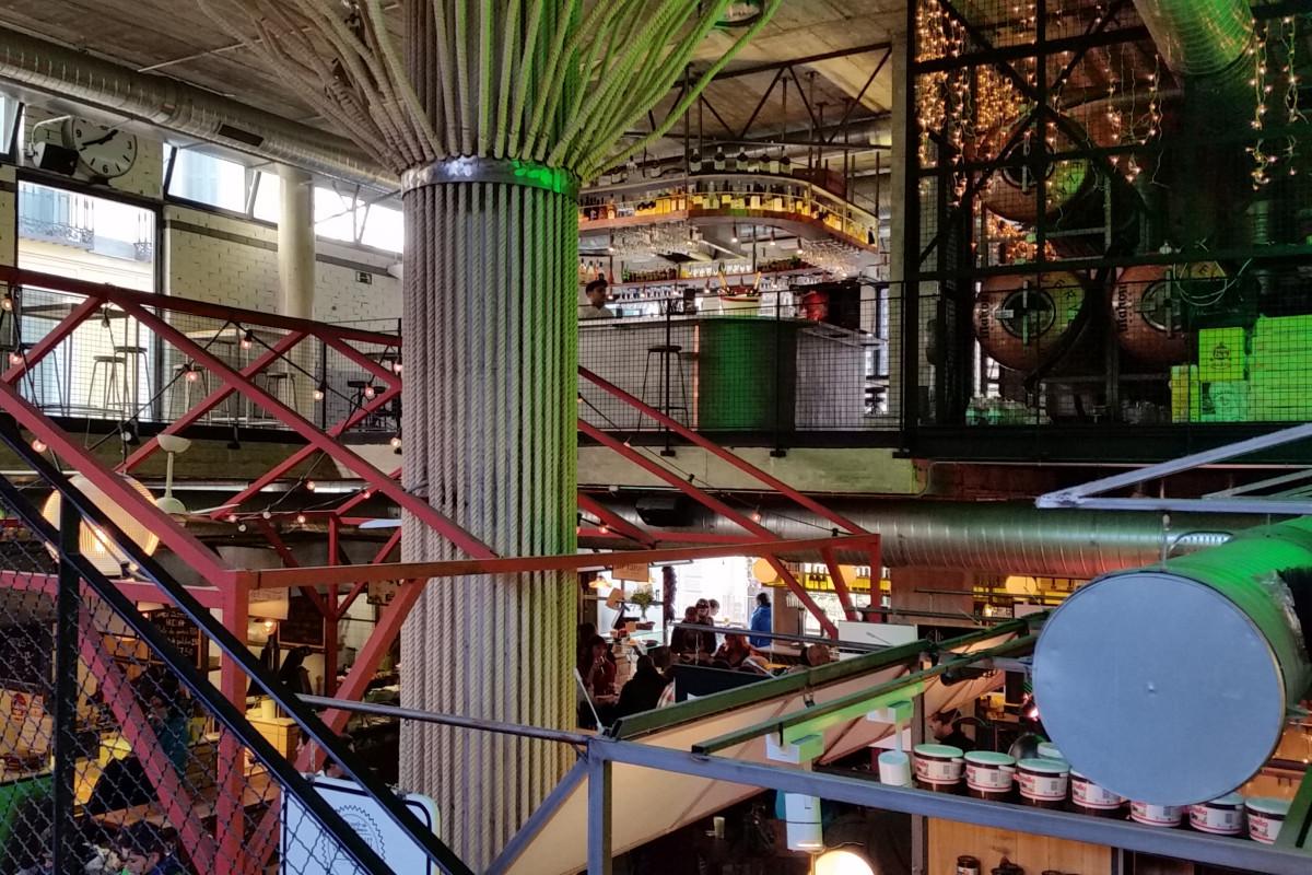 Interior del Mercado de San Ildefonso, en Madrid