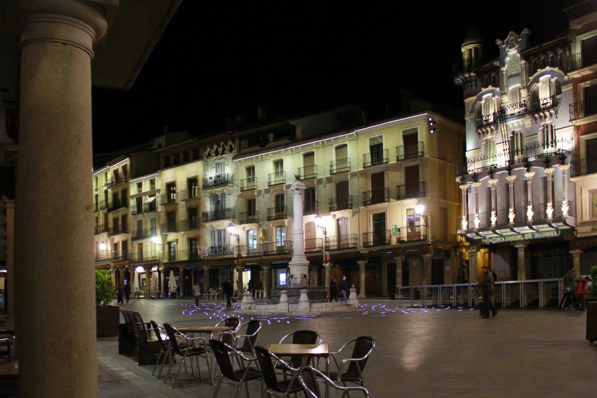 Plazas para visitar con peques (también por la noche)