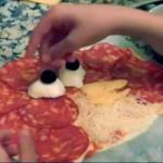 Cómo hacer una pizza divertida en casa