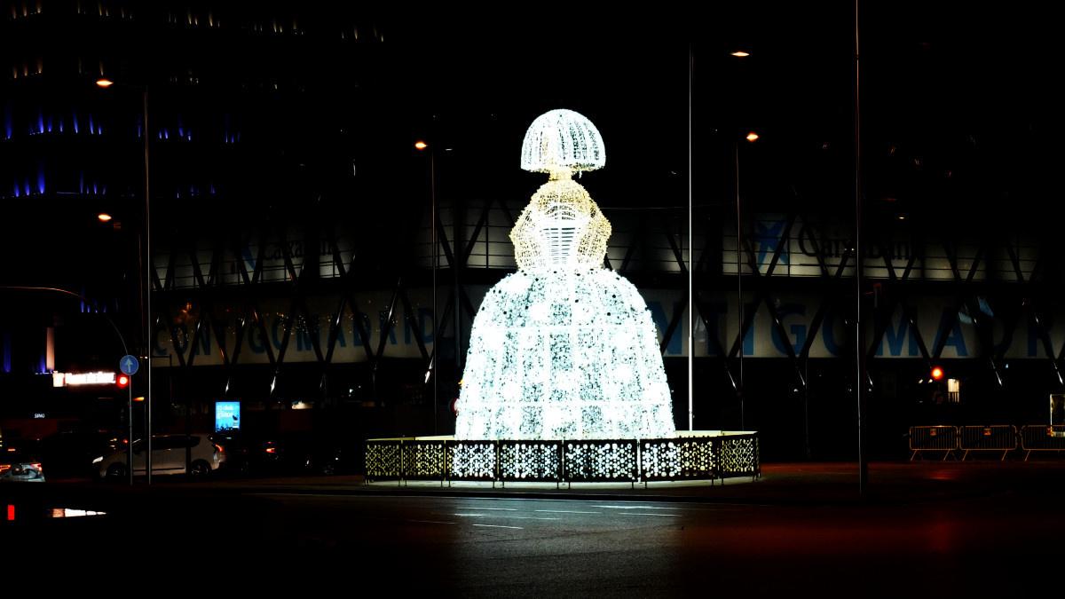 Gran Menina de Navidad en la Plaza de Colón de Madrid