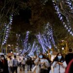 Iluminación navideña en las ramblas de Barcelona