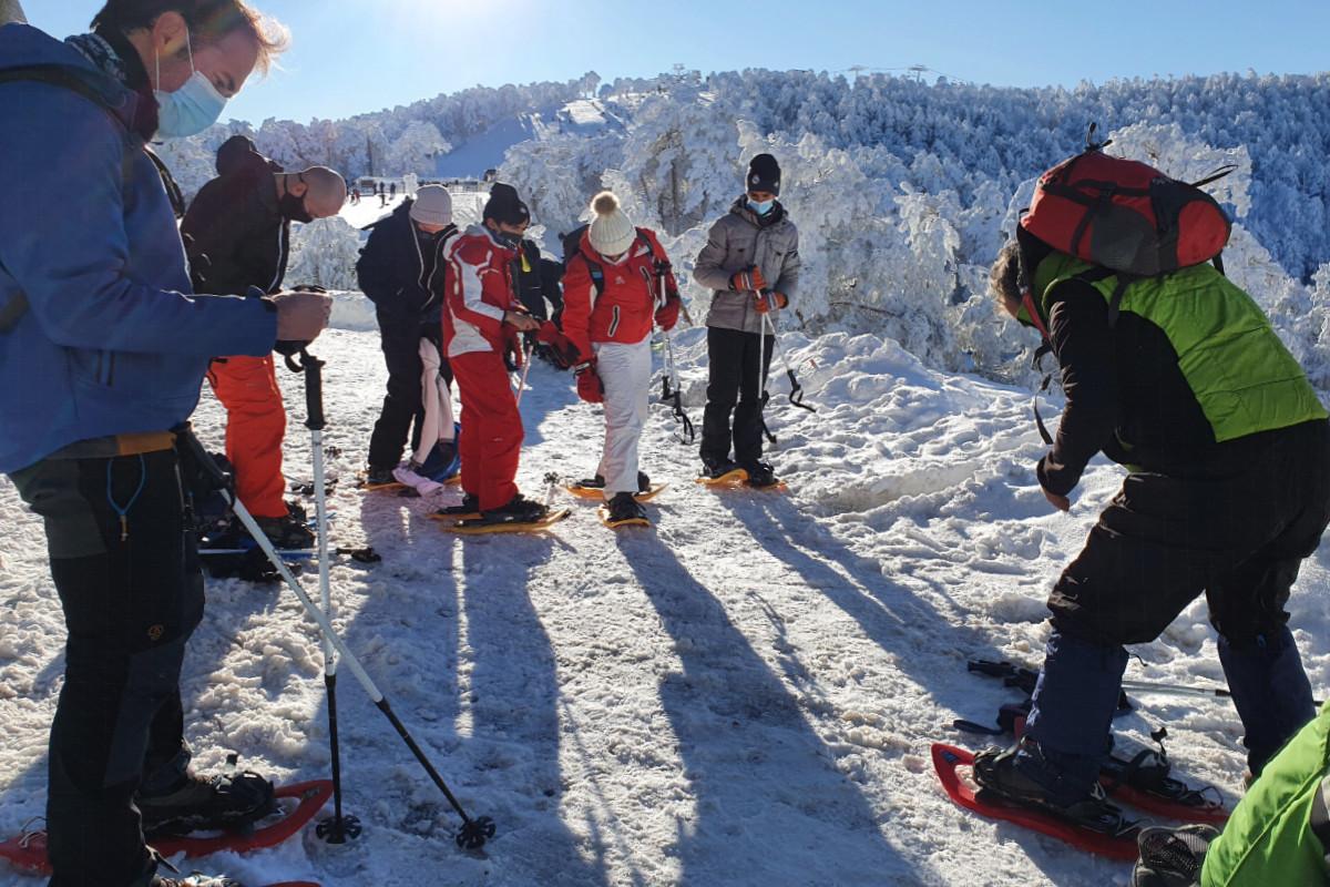Hacemos una ruta con raquetas de nieve en familia