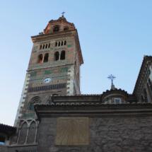 La catedral de Teruel es de estilo gótico-mudéjar, con coloristas adornos
