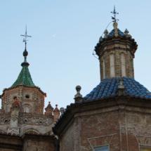 Tejas de colores coronan el cimborrio de la catedral de Teruel