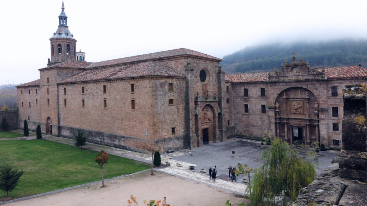 Vista general del monasterio de San Millán de la Cogolla