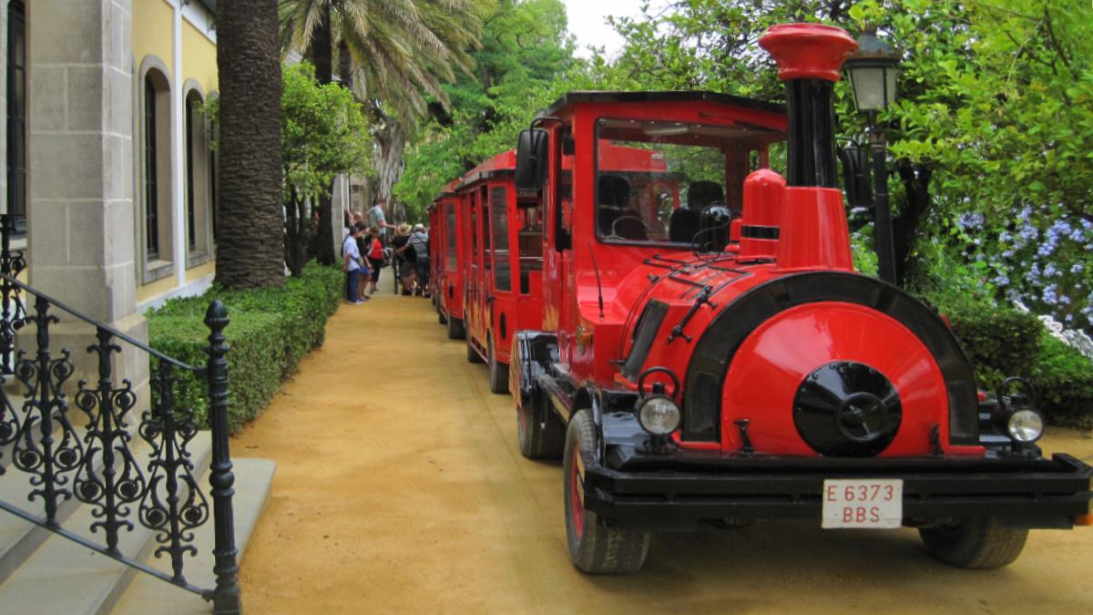Trenecito para recorrer las instalaciones de las Bodegas Tío Pepe de Jerez