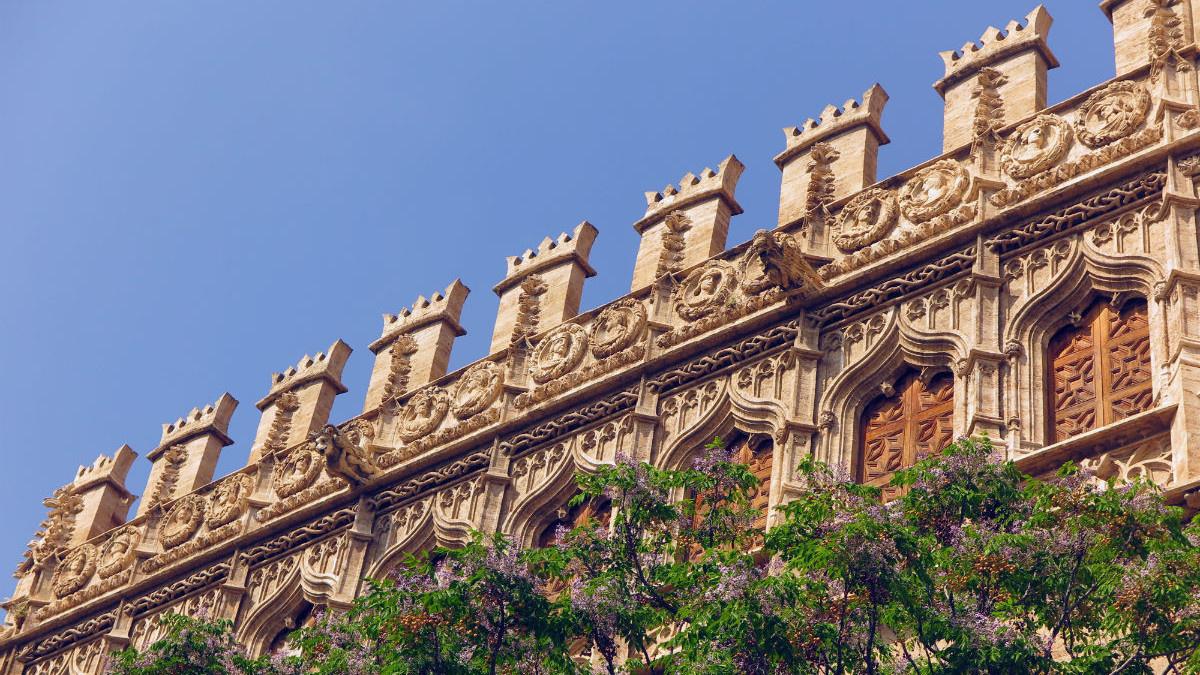Detalle del edificio de la Lonja de la Seda de Valencia