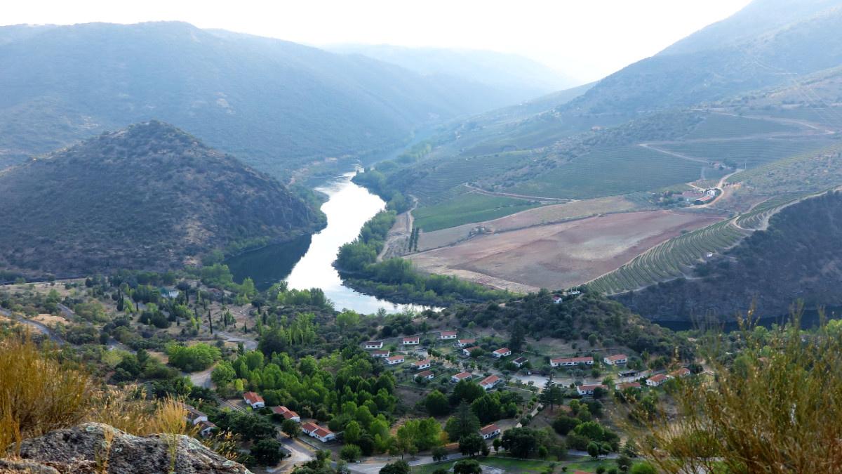 Vista del río Duero desde el Parque Natural de las Arribes